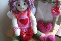 ♡ knitted dolls patterns / These are the patterns by Irishmagda, my dearest friend. She designs her dolls for prawelewe. The patterns are published in the Seven Rainbows Gallery.