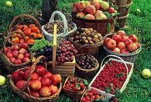 Livada cu Bunatati! / Orchard Goodies! / Fructele si Legumele sunt sursa unei sanatati de fier si tot ele ne aduc aminte de micile bucurii si delicii ale vietii care ne reimprospateaza si energizeaza viata zi de zi.