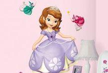 Disney Princess/ Printesele Disney / Printesele si Zanele ne au transformat copilaria intr-un loc de basm.