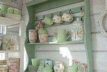 Nábytok ako u babičky / Nábytok, poličky, okná, dekorácie