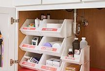 Bathroom Storage & Organization / Tips, tricks, and hacks for how to store everything in your bathroom. Learn how to keep your towels, toiletries, and medications organized.