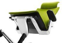 ON®. Silla ergonómica de oficina con Trimension® / Actualmente todos pasamos largos periodos de tiempo en posiciones encorvadas en nuestros puestos de trabajo. Lo que el cuerpo humano requiere es una frecuente y variada gama de movimientos. Wilkhahn ha entendido este principio fundamental de la ergonomía desarrollando la Trimension® para la silla ON. Esta característica, única y probada, es una tecnología patentada para un sentado dinámico en tres dimensiones con ajuste sincronizado.