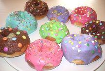 Donuts y berlinas rellenas / by Nora M A