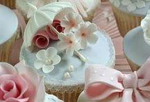 Cupcakes / by Mimi Velazquez