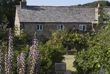 The Long House - a self-catering holiday cottage in Rock, North Cornwall by Latitude50. / Nestled within an Area of Outstanding Natural Beauty is The Long House. This beautiful Grade II-listed farmhouse has a host of original features and a picture-perfect country garden.  Find out more here: https://www.latitude50.co.uk/explore-our-properties/north-cornwall/rock/the-long-house