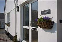 Cribba - a self-catering holiday cottage in Port Isaac, North Cornwall by Latitude50. / Cribba occupies a tranquil position in the countryside, based within walking distance of the fishing village of Port Isaac.  Find out more here: http://www.latitude50.co.uk/our-cottages/port-isaac-holiday-cottages/cribba