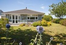 Devoran - a self-catering holiday cottage in Rock, North Cornwall by Latitude50. / This spacious property lies in a peaceful location in central Rock. From here, you can enjoy scenic walks across the golf course to Rock Beach.  Find out more here: https://www.latitude50.co.uk/explore-our-properties/north-cornwall/rock/devoran