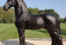 Custom Minis by Sarah Tregay / Custom one-of-a-kind 1:32 scale horses from Breyer Stablemates and Peter Stone Chips models