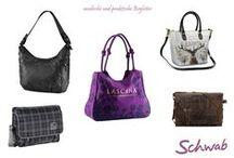 Taschen & Accessoires / Wir haben für jede Gelegenheit die richtigen Taschen und Accessoires auf Lager.
