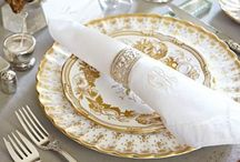 Pretty table settings... / Place settings and more / by Victoria Townsend