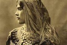 Costumes d'époque des XIXe et XXe siècles (Algérie)