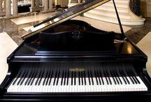 Pianos / by Sharon Bernhardt