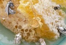 Bees & Hoverflies / Joy's retreat in North Wales yields a wealth of inspiration for her growing collection of Flora and Fauna jewellery. Inspired by her walks through country meadows, the Bee Collection captures the naturalistic shape of the bee with it's body slightly curled as if it's just coming to land on a flower. Hoverflies are important pollinators of flowering plants. Yasmin Everley's Hoverfly rings, necklaces and earrings can also be found in this collection.