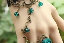 Neat jewels / by Griselda Villalon
