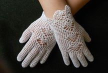 gloves/ mittens/ warmers