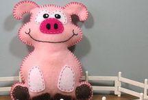 Pig (handmade) - malac - schwein - cerdo - прасе / by melinda munkai