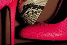 """Shoes&Shoes / """"Ma quali rose rosse? Semmai mazzi di...scarpe!"""" L.Littizzetto"""