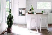 Kitchen & Dining Room / Let's eat!