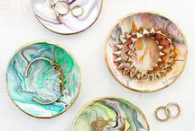 DIY and arts and crafts! / Love DIYs and arts and crafts!