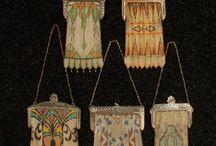 Tiny bags and purses vintage look / Kleine tasjes en portomonees met vroegere uitstraling
