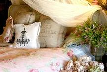 Dreamy Bedrooms / These bedrooms make us want to climb in, relax and dream.