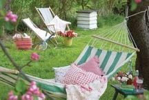 Garden inspiration / Inspiration för en trädgård jag drömmer om med tillhörande praktiska garage.
