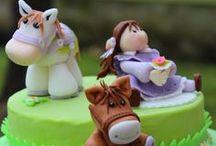 Dolcezze di Ivana / Torte ricoperte e decorate in pasta di zucchero