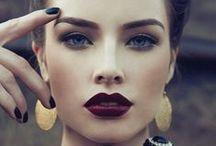 Jones + Jones Beauty Bible / Our favourite Glitter Lip trend this season!