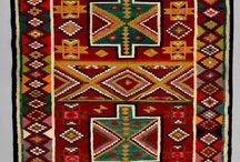 Weving scarfs rugs kelims / Wandkleden
