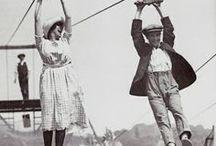 """Jumpers / SERES disfrutando de un salto en sus vidas. """"Cuando le pides a una persona que salte, su atención se concentra en el acto de saltar: las máscaras caen y aparece la persona auténtica"""". Phillippe Halsman"""
