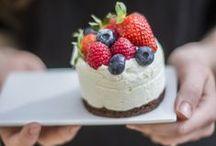 Asztalka Cukrászda / Gyere sütizz nálunk! Rendelj tortát, kóstold meg legfrissebb tortáinkat. www.asztalka.com