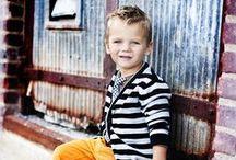 KIDS STYLE / Ultimas tendencias y cortes de pelo para NIÑOS. La creencia de que los niños siempre visten igual es falsa. Hay miles de estilos, complementos y ropa bonita. Ellos también tienen claro lo que quieren y lo que les gusta.  Les gustan las pulseras, los colgantes y los complementos. En nuestra familia se los hago yo. TiIENDA ONLINE: www.etsy.com/es/shop/enlasmanosdeyaras Este tablero me sirve de inspiración para mis hijos. Más contenidos en el BLOG www.enlasmanosdeyaras.com