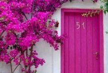 Front Door Inspiration by Season in a Trunk / Doors are the gateway to our soul. Check out our front door inspiration.