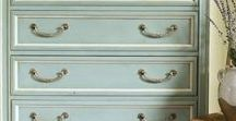 Chalk Paint / Tips for using the hottest furniture paint out there on the market, as well as lots of great chalk paint makeover photos.
