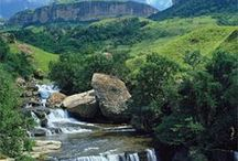 South Africa Travel Inspiration / A collection of stunning locations from around South Africa that will make you want to travel there ASAP!