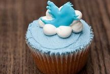 Edible Social Media / desserts with decorations inspired by social media