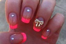 Nails / du beau vernis WATATOW