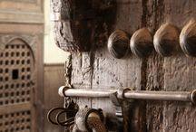 Knock KNOCK / by Chati Garcia
