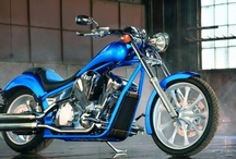 Motos de alto cilindraje / Variedad en estilos y marcas.