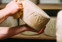Des producteurs de savoir-faire / Nos producteurs de fromages travaillent dans la passion du fromage et le respect scrupuleux d'un savoir-faire ancestral. Nous mettons à l'honneur leur travail ici.