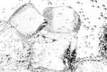 TREVI MDStudio 1995 / L'acqua diventa ghiaccio, il ghiaccio diventa elemento di contrasto, di provocazione per esaltare tutto il mondo che vive attorno a TREVI.