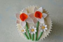 Cupcakes, cupcakes, cupcakes ... / by Rachel Gosnell