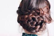 Inspiration Coiffures & Make Up / Idées de coiffures et maquillages tendances pour accompagner comme il se doit vos tenues et vos journées.