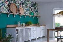 Déco Cuisine / Hyper équipée, familiale, industrielle, vintage, quelque soit son style, la cuisine est une pièce vivante et conviviale.  Idées et astuces pour parfaire selon vos goûts et vos envies une des pièces majeure de la maison.