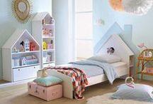 Déco chambre enfants / Un mélange de rêve et de jeux ou se mêlent matières douces et raffinées, petits objets fonctionnels et fantaisies pour laisser libre cours à l'imagination des enfants.