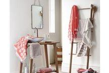 Déco salle de bain / Votre salle de bain, un véritable espace à vivre et dédié la à la détente ! Idées et inspirations pour décorer et organiser votre salle de bain.