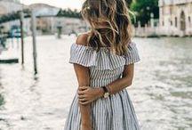 Carmen blouse/dress / Mujer de espalda desnuda