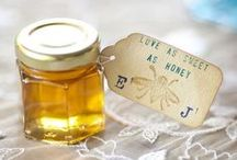 Wedding Favours / Ideas and inspiration of cute wedding gifts to give your guests