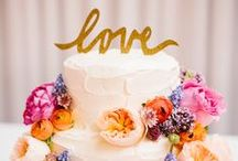 Wedding Cake Ideas / Ideas and inspiration for wedding cakes, a great mix of traditional and modern designs