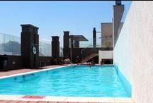Huerfanos / Un departamento en el centro de Santiago de Chile para arrendar. Hay una cama matrimonial, dos singles y un futon en el living, asi que es hecho para 4 maximal 5 personas. Si quieres arrendar un departamento contacteanos!